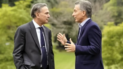 Macri y Pichetto, en la primera foto oficial en los jardines de la quinta de Olivos