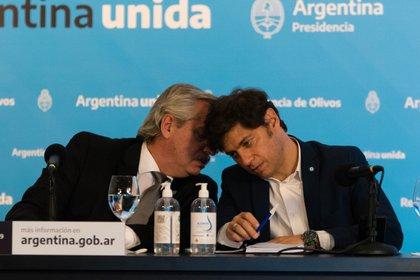 El presidente de Argentina, Alberto Fernández,  y el gobernador de la provincia de Buenos Aires, Axel Kicillof (Foto: Franco Fafasuli)