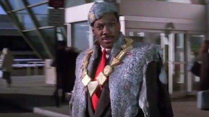 Un príncipe africano viaja a Nueva York y elige el condado llamado Queens, como lugar ideal para conseguir una esposa.
