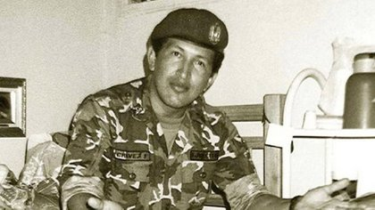 Hugo Chávez en prisión, tras el golpe fallido de 1992