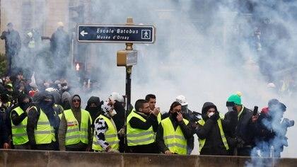 Los chalecos amarillos coparon las calles de París durante varios sábados consecutivos (Reuters)