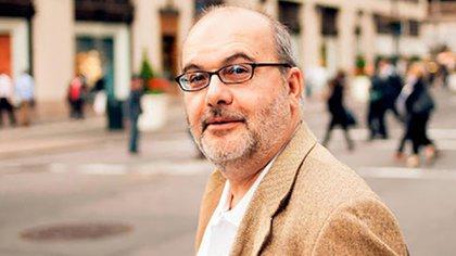 """El autor de """"Capitalismo, nada más"""" habló de los dos grandes problemas de las dos formas actuales del sistema económico-politico: la homoplutia en el liberal y la corrupción en el político."""