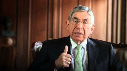 Óscar Arias Sánchez, el nobel y expresidente de Costa Rica, está entre los numerosos hombres de gran estatus acusados de conducta sexual inapropiada.
