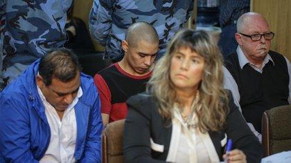 Offidani (de azul) y a su lado, Farías durante el juicio (Christian Heit)