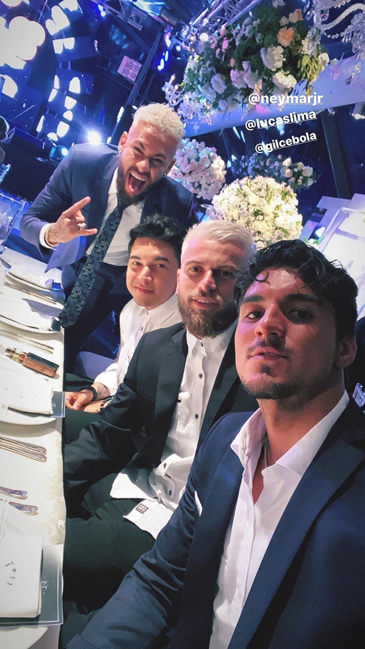 La story de Gabriel Medina, junto con Neymar, Gilmar Araujo y Lucas Lima