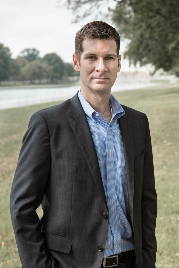 Peter W. Singer es un experto en diplomacia, relaciones internaciones, guerra y tecnología.