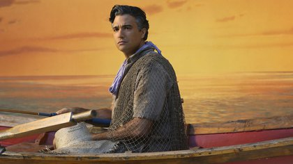 """Jane The Virgin  --""""Chapter Five"""" -- Image JAV105A_114 -- Pictured: Jaime Camil as Rogelio -- Photo: Patrick Wymore/The CW -- © 2014 The CW Network, LLC. All rights reserved."""