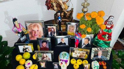 El altar que Carmen Salinas ha construido en su casa este año (Foto: Instagram @ carmensalinas_56)