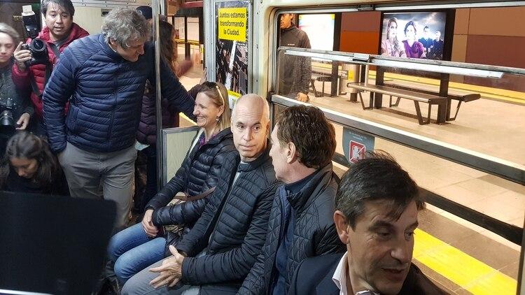 Horacio Rodríguez Larreta, junto a Diego Santilli, Franco Moccia y Felipe Miguel