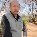 Mario Calderón en la plaza de Victoria. En 2011, tras trece años de lucha el hombre logró cobrar la herencia de Reggiardo. hoy es uno de los grandes terratenientes de la zona. (Crédito: revista Análisis de Paraná)