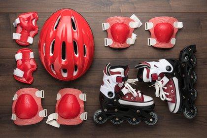 Para practicarlo de manera segura se debe utilizar rodilleras y casco (Shutterstock)