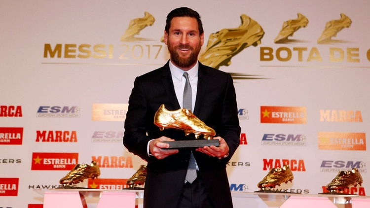 Messi con la Bota de Oro por la campaña 17/18, en la que anotó 34 goles (Barcelona)