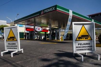 Algunas gasolineras en la Ciudad de México permanecen cerradas, con el argumento de que no les han surtido el combustible(Foto: Isaac Esquivel /Cuartoscuro)