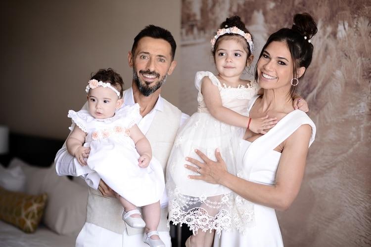 Mi familia: Mariana de Melo con su marido, José Fortunato, y sus hijas, Zeo y Lupe