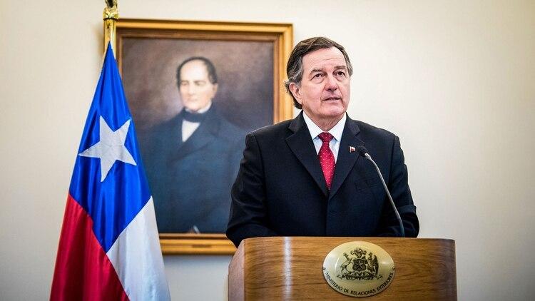 Roberto Ampuero, canciller de Chile (AFP)