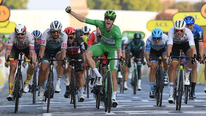 El irlandés Sam Bennett ganó al última etapa del Tour (Reuters)