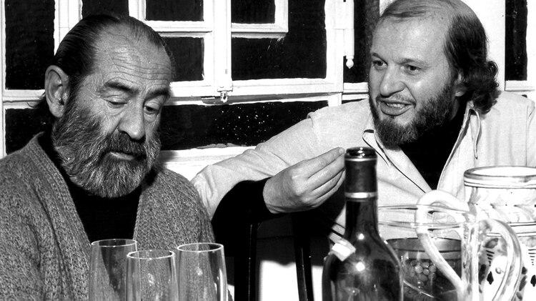 Alberto Breccia junto a su amigo Guillermo Mordillo, c.1973 (Foto: gentileza Mariano Buscaglia)