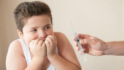 La fobia a las agujas es frecuente en los menores (iStock)