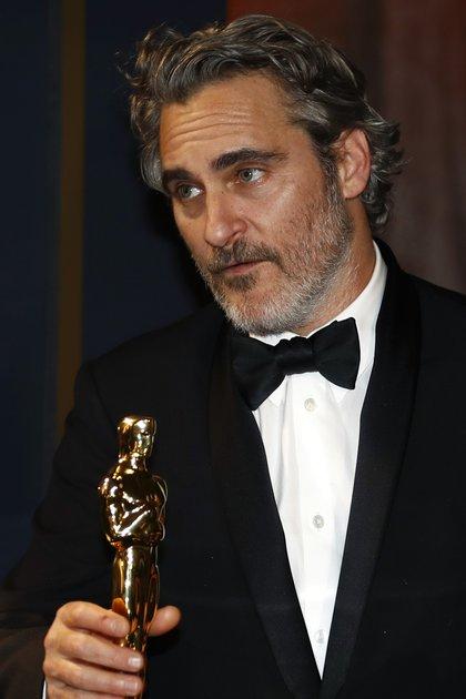Joaquin Phoenix ganó su primer Oscar y recordó a su hermano River, fallecido a los 23 años de una sobredosis en 1993 (Reuters)