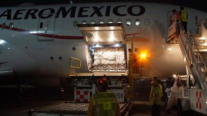 En México los casos confirmados aumentaron a 3,844, mientras que la cifra de muertes llegó a las 233 (Foto: Twitter @Aeroméxico)