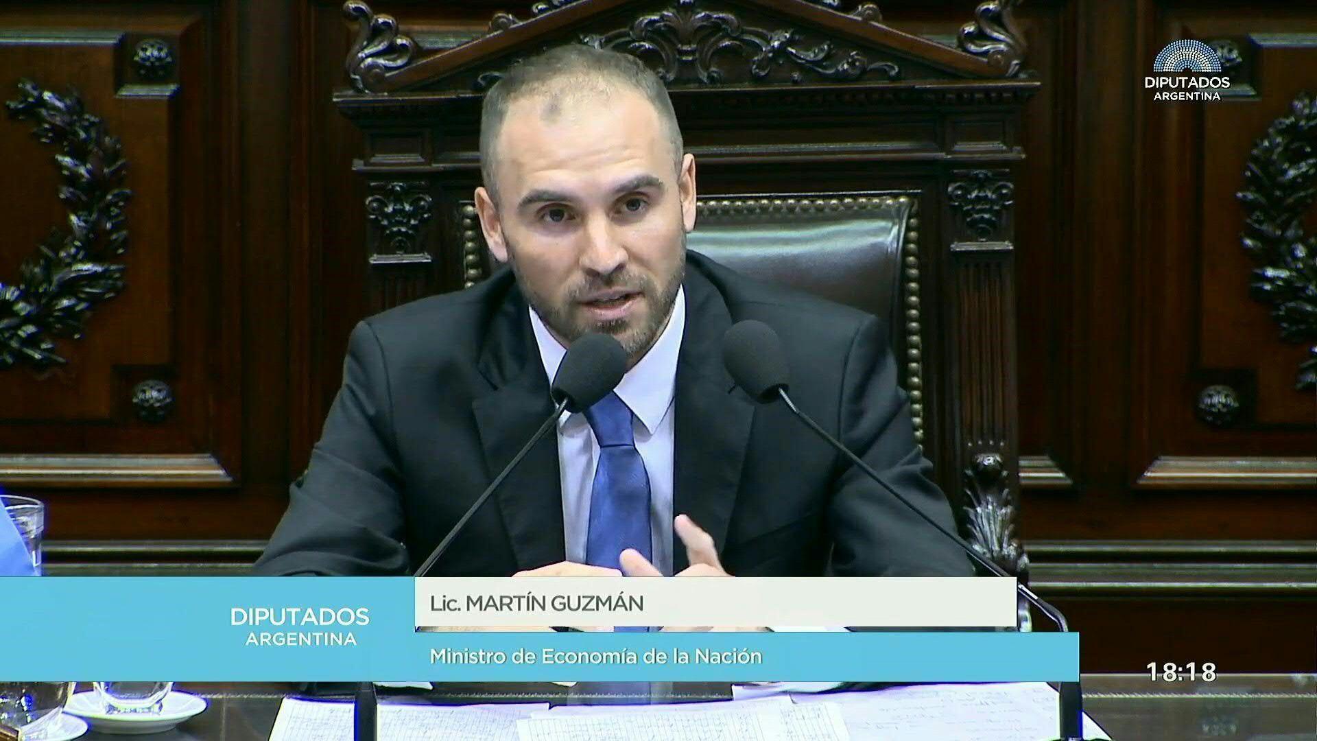 Por el coronavirus, la renegociación de la deuda que lleva a cabo el ministro Martín Guzmán tomará más tiempo del previsto,