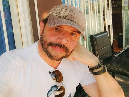 El actor negó las acusaciones nuevamente y dijo que se encuentra en terapia psicológica para resistirse a la idea de suicidarse (Foto: Instragam @hectorparrag)