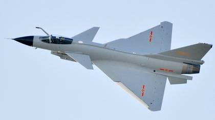 El caza Chengdu J-10, que los chinos consideran tan avanzado como cualquiera aeronave de la OTAN