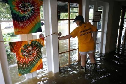Una imagen de las inundaciones provocadas por el huracán Barry, de categoría 1, a su paso por Luisiana (Foto: AP)