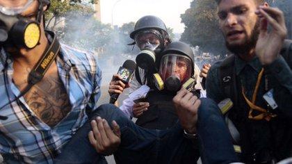 Periodistas en una de las manifestaciones contra el régimen de Maduro