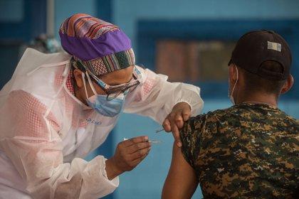 """Guatemala confirmó la semana pasada que había detectado al menos siete pacientes de la covid-19 con la """"variante californiana"""" de la enfermedad. EFE/Esteban Biba/Archivo"""