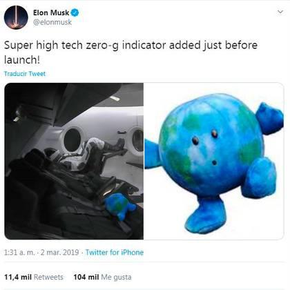 """El tuit de Elon Musk de marzo de 2019 bromeando sobre el accesorio de """"súper alta tecnología"""" que utilizó SpaceX para verificar la gravedad cero"""