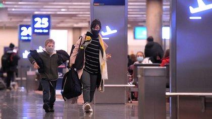 Aerolíneas Argentinas reinició las operaciones regulares que estaban suspendidas desde el 20 de marzo (Foto: Julián Alvarez)