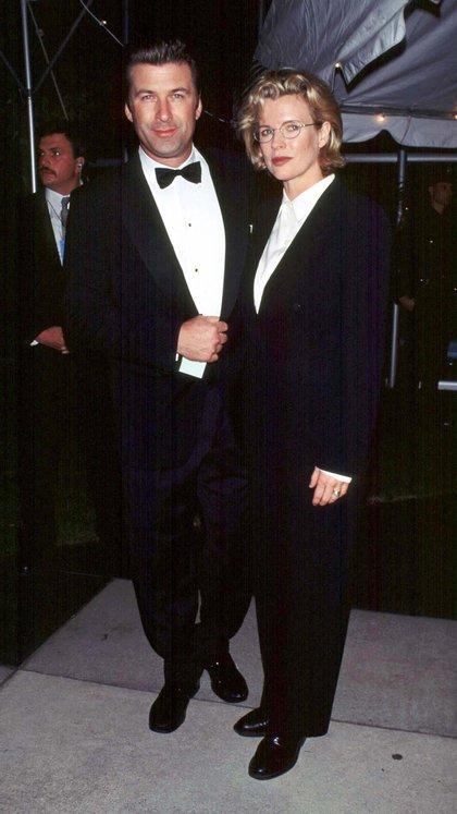 Los actores Alec Baldwin y Kim Basinger se casaron en 1993, en 1995 tuvieron a su única hija, Ireland, se separaron en 1998 y en 2002 iniciaron un divorcio escandaloso (Shutterstock)