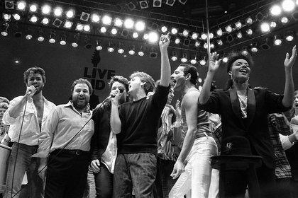 George Michael, Bono, Paul McCartney y Freddie Mercury, en el cierre del Live Aid (Foto: AP)