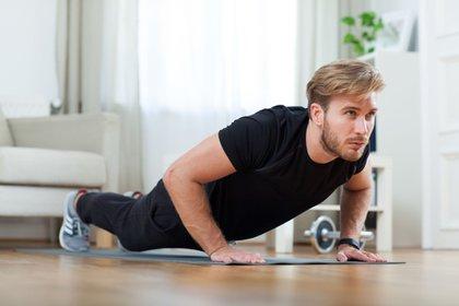 Además de quemar calorías, el ejercicio provoca tener menos apetito - Foto: Christin Klose/dpa