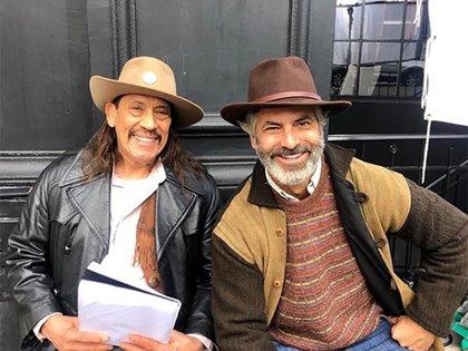 """Guillermo Zapata junto a Danny Trejo en la grabación de """"La sombra del gato"""""""