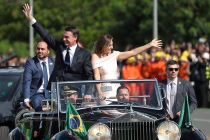 Jair Bolsonaro junto a su esposa el día de la jura como presidente de Brasil REUTERS/Ricardo Moraes