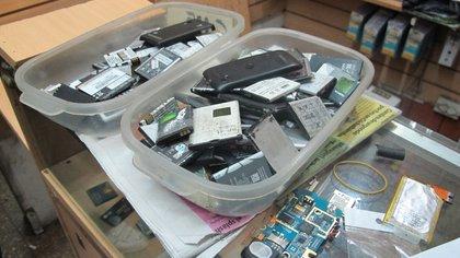 Los celulares se volvieron uno de las mayores commodities del mercado negro  162