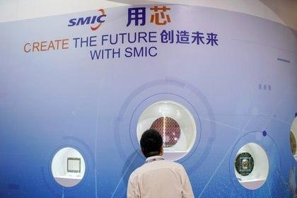 El stand de SMIC en la Exposición Internacional de Semiconductores en Shanghai, 14 de octubre de 2020 (REUTERS/Aly Song)