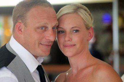 Abogados de la pareja inglesa iniciaron acciones legales contra el turoperador Thomas Cook, que gestiona el hotel Sol Río de Luna y Mares, situado en Playa Esmeralda en la provincia de Holguín