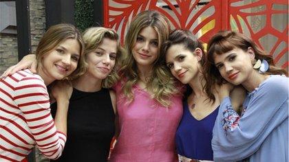 """Marcela Kloosterboer, Justina Bustos, Natalie Pérez, Violeta Urtizberea y Celeste Cid, protagonistas de """"Las Estrellas"""""""