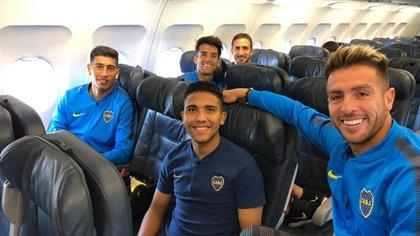Andrada, Reynoso, Buffarini (adelante), Mas e Izquierdoz (atrás), listos para despegar (Boca oficial)