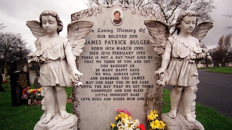 La tumba de James Bulger en el cementerio de Kirkdale en Liverpool (Shutterstock)
