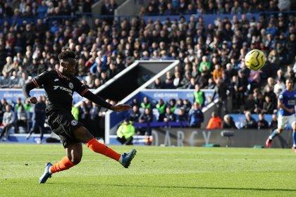 Hudson-Odoi, extremo del Chelsea, el primer futbolista de la Premier League en dar positivo al coronavirus (REUTERS/Chris Radburn )