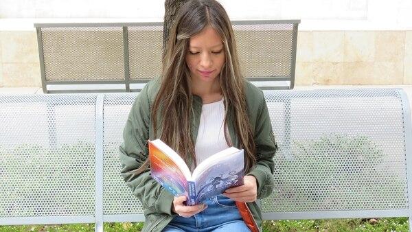 Janet GS tenía 16 años cuando escribió Quién mató a Alex
