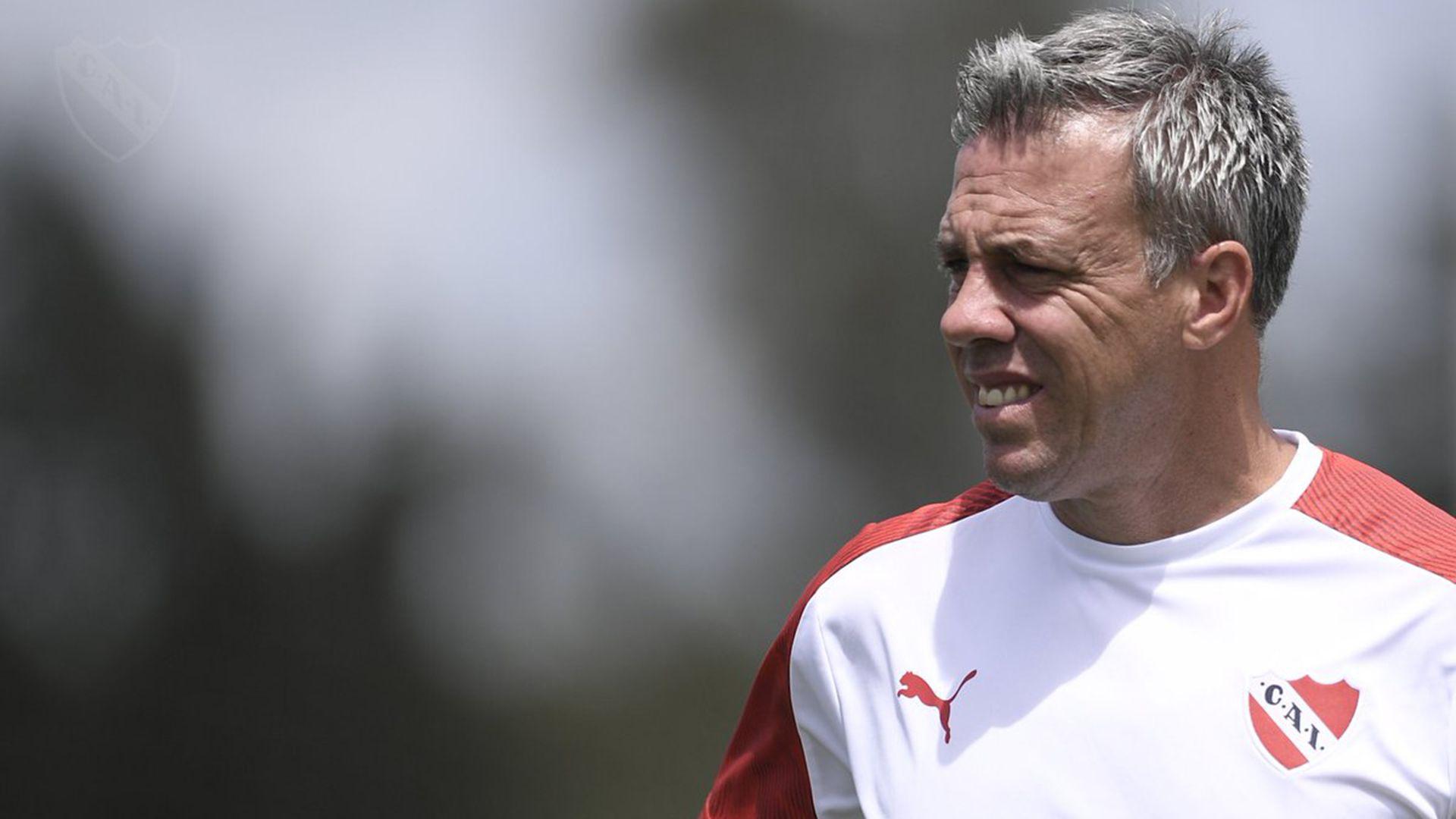 Pusineri comienza a armar la base para levantar el rendimiento (@Independiente)