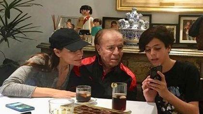 Zulemita junto a su padre y su hermano. (Foto: Instagram)