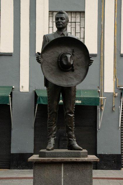 Aunque han pasado más de 50 años de su muerte, su voz jamás ha dejado de sonar (Foto: Mau HL / Infobae)