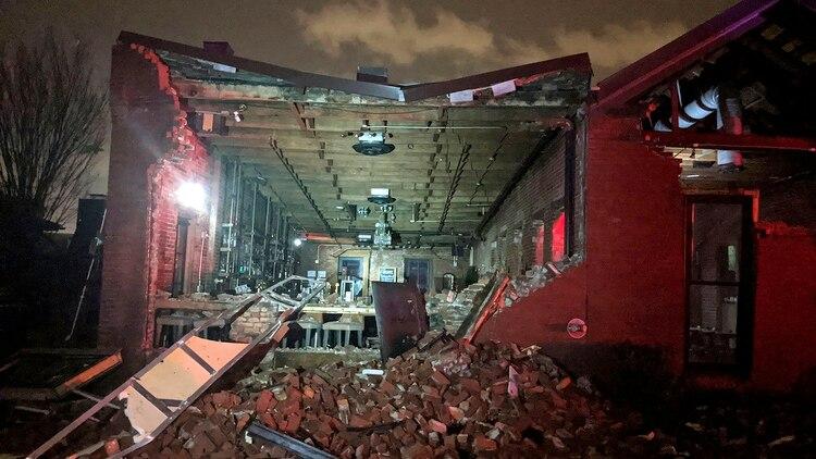 El temporal demolió casas y negocios (Alex Carlson via AP)