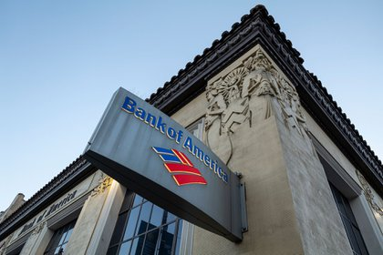Signage outside a Bank of America branch in San Francisco, California, U.S., on Thursday, Jan. 14, 2021. Bank of America Corp. is expected to release earnings figures on January 19. Photographer: David Paul Morris/Bloomberg
